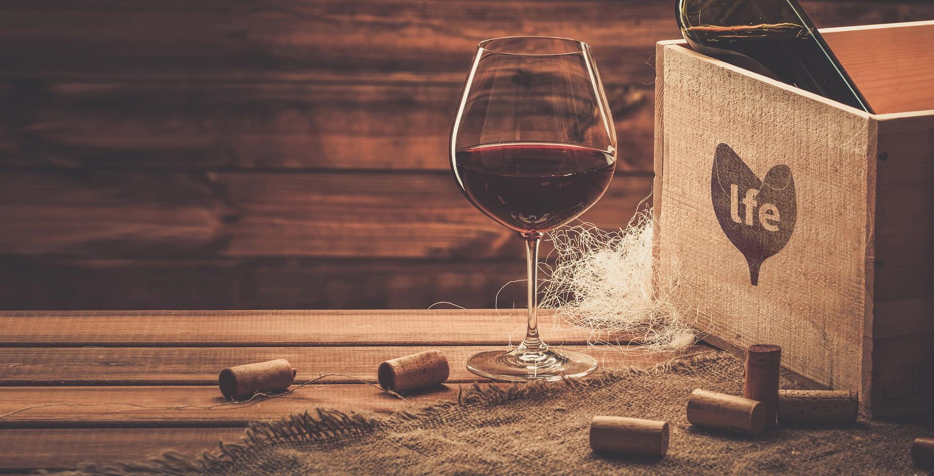 Coverfoto glas wijn